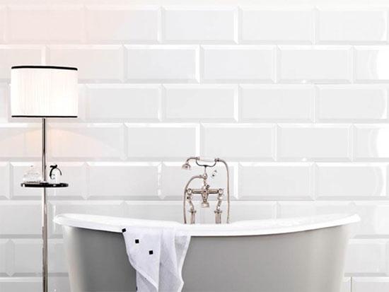 Offerte in pronta consegna fino esaurimento scorte - Rivestimento bagno bianco ...